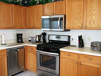 Fully Equipped Kitchen with Table and Chairs