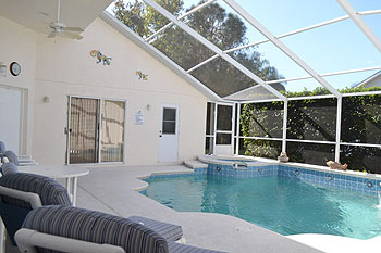 Private Pool, Spa & Fountain Feature