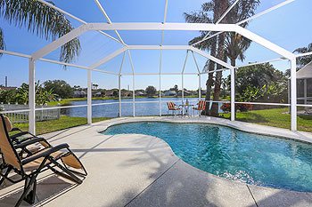 Lakeside Views with Private South-West Facing Pool