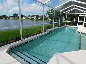 Swimming Pool/Lakeview