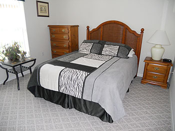 Guest Queen Bedroom