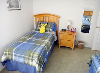 Twin Bedroom 3