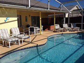 Beautiful South Facing Private Pool & Spa Deck