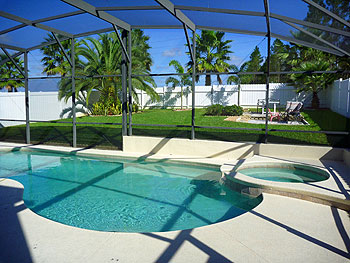 Pool, Spa/Jacuzzi, large garden and BBQ patio