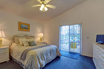 large en suite bedroom